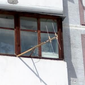 2 элемента на 145мгц - балконная антенна.